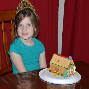 20131224_2942_Rgingerbreadhouse